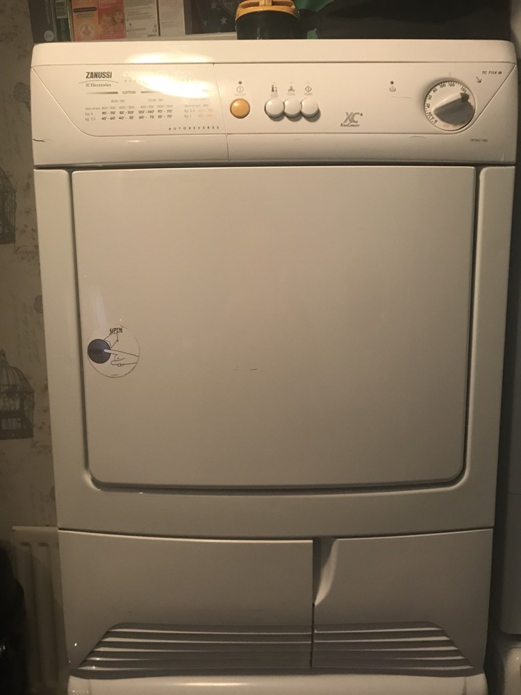cheap white zanussi 6kg condenser tumble dryer for sale. Black Bedroom Furniture Sets. Home Design Ideas