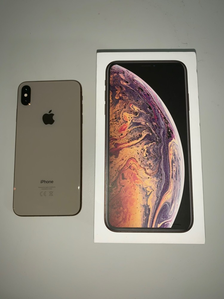 iphone xs max 256gb unlocked to all networks. going cheap