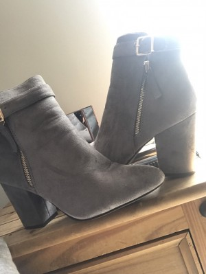 Gorgeous grey heeled boots size 7