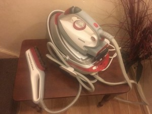 Hoover Steam Iron with Steam brush