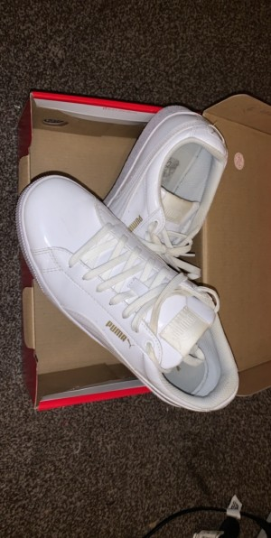 White ladies puma trainers size 6