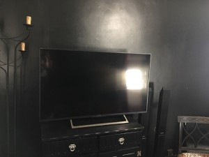 "49"" HDR Sony Bravia TV - As new, with box & wall mount"