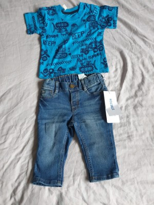 Blue top and jeans set baby size 6 to 9 months