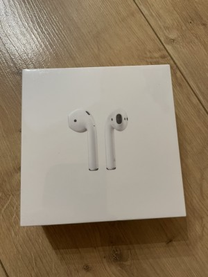 Genuine Apple Airpods
