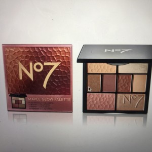 N07 Maple Glow palette