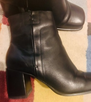 Raved boots 5 -free shipping