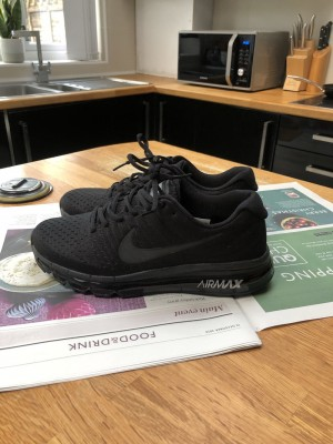 Nike Air Max 2017 in all black size UK 7.5