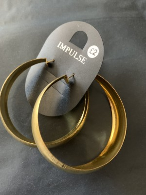 Ladies new gold colour fashion hoop earrings