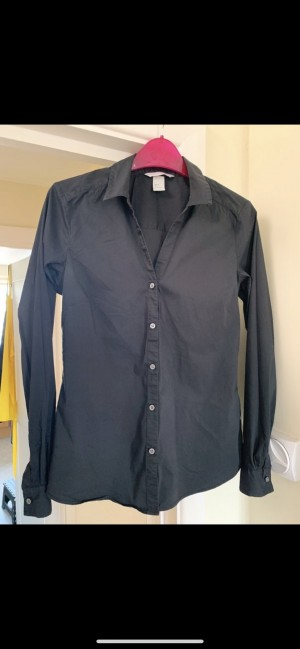 H&M black fitted long-sleeve shirt with stretch, good condition