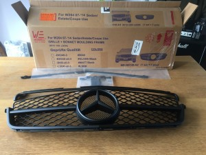 Mercedes C63 Style Grill New In Box (Postage Available)
