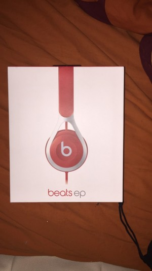 Beats EP, Red.