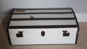 Vintage suitcase white trunk in perfect condition, Perfectly restored