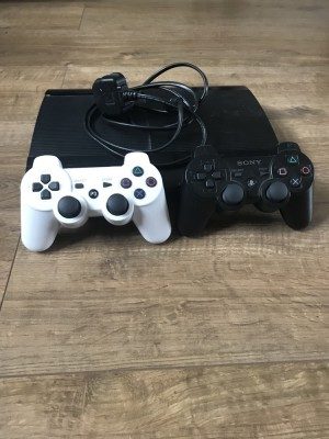 PS3 super slim 700gb (internal hard drive)