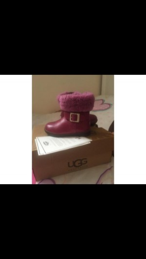 raspberry pink toddler size 6 ugg boots