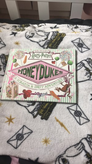 A Harry Potter smell book