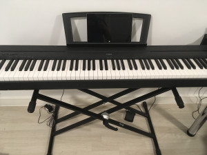 Almost new YAMAHA P-45 electric piano