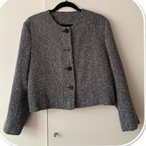 Stunning Women's Blazer Very good condition Black and white colours