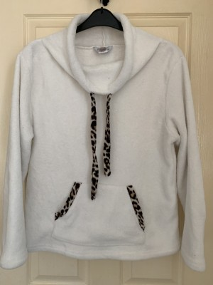 Ladies pyjama fleece size 18-20