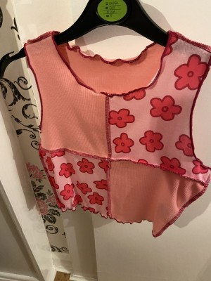 Shein flower top size extra small.