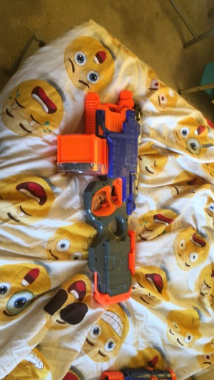 A Nerf HyperFire Good condition doesn't come with battery's pay in