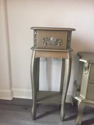 Stunning drawers and also can be used in hall
