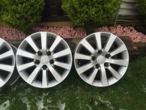 Honda civic EP2 Sport alloy wheels with Tyres.