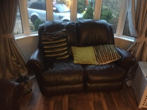 Armchair & 2 Seater Recliner Sofa