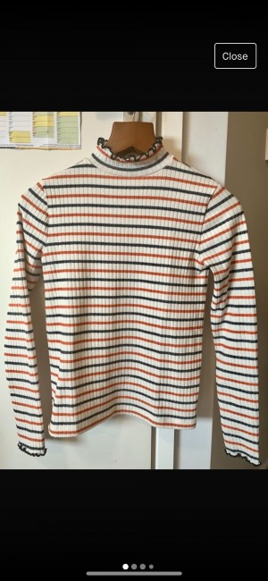 J Crew - turtleneck knit size XS