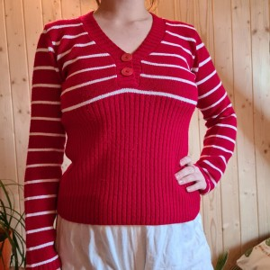 red and white stripey y2k jumper