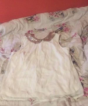 Beautiful white collar shirt  New look - size 14 years  Fits size 6  W