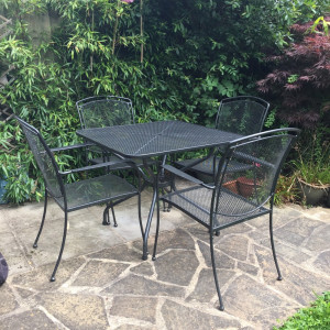 Kettler garden table and 4 chairs - brilliant quality