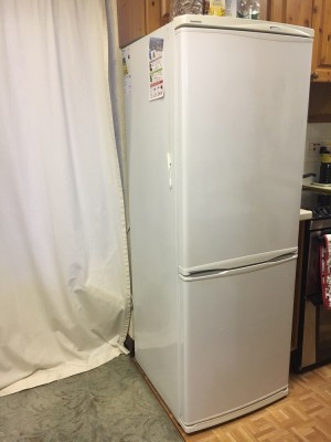 Daewoo Fridge freezer, no frost, energy class A, ~60cm wide