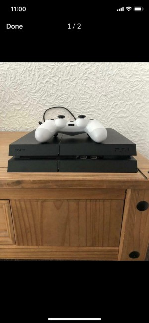 PS4 (ITB) comes with 3 games (pictured) & white controller