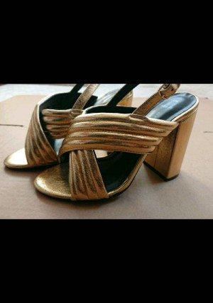 Ladies New Look Gold Sandals in Size 3