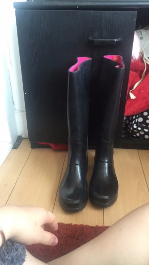 Ralph Lauren size 5'2 paintend riding boots/wellies can be used for horse riding or yard work or anything in general they're brand new and worn twice just need a clean really good condition no box or packaging the have a couple of very light scratches but