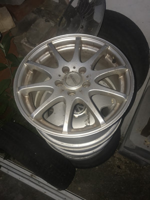 Dezent alloy wheels   only £50 for set