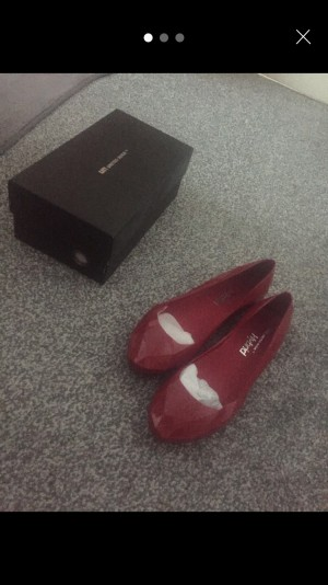 United nude flats 100% genuine with certificate