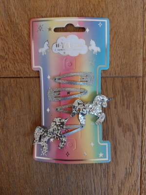 Be-YOU-tiful pony hair clips