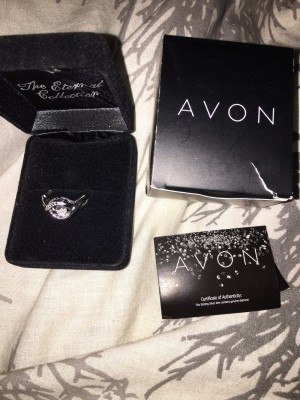 Avon Diamonds In Motion Ring Size T With Real Diamond New