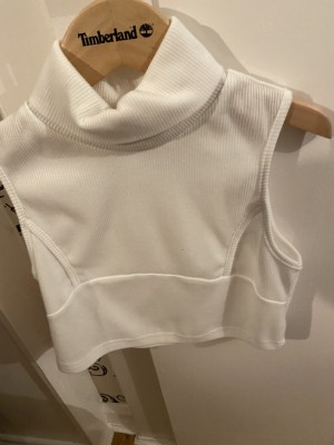 Shein high neck top size extra small.