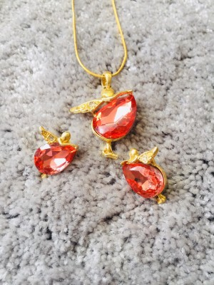 ladies necklace and earrings set