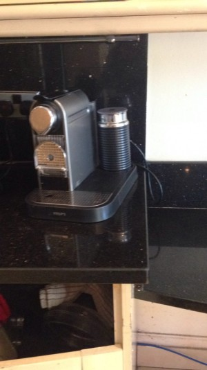 Krups Nespresso coffee machine with frother good condition