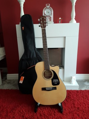 Fender acoustic guitar cf-70ce
