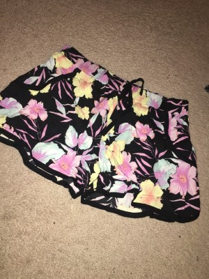 floral floaty shorts select