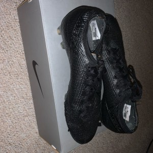 Nike football boots mercurials elite