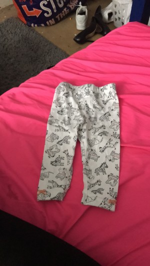 6 to 9 months white elephant Leggins with zebras and giraffes