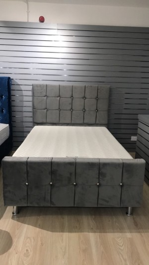 Cube bed