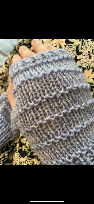 Ribbed blue knitted fingerless gloves