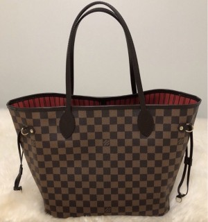 Louis Vuitton neverfull MM bag and pouch
