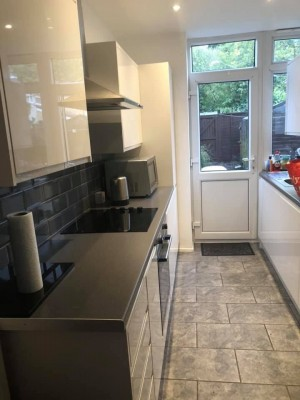 1 bed and 2 bed houses for rent